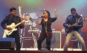 Harris Jayaraj - Harris performing live
