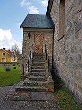 Fil:Halltorps kyrka 20160426 08.jpg