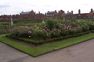 Os jardins de Hampton Court.