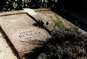 Henri Bosco - Bosco's gravestone at the cemetery of Lourmarin