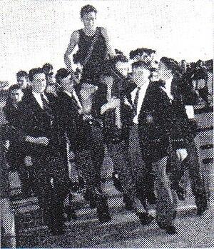 Public Schools Association - Image: Herb Elliott after PSA Aths 1954