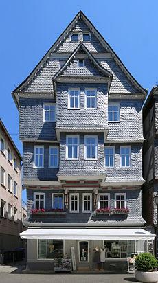 Herborn - Fachwerkhaus Hauptstraße 31 (KD.HE 132978 2 07.2015).jpg