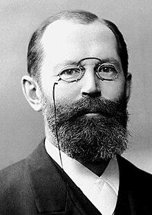 Hermann Emil Fischer c1895.jpg