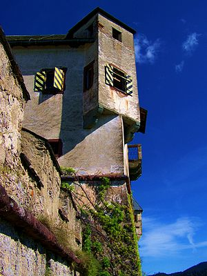 Hochosterwitz Castle - Image: Hochosterwitz Castle Side