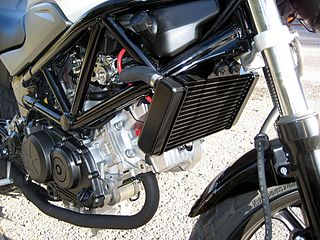 Changing Oil Yamaha  Four Stroke