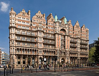 Kimpton Fitzroy London Hotel - Image: Hotel Russell on Russell Square, London April 2007