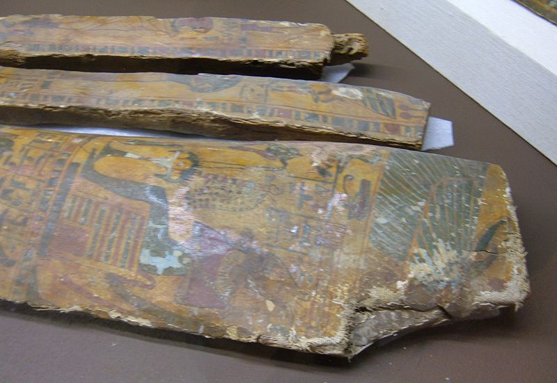 File:House of Life priest coffin fragments 3 REM.JPG