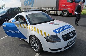 Hungary police car 03