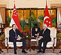 Ilham Aliyev and President of Singapore Tony Tan held a meeting in an expanded format with the participation of delegations, 2012 07.jpg