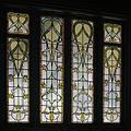 Interieur, overzicht van de glas-in-loodramen in het trappenhuis - Groningen - 20397175 - RCE.jpg