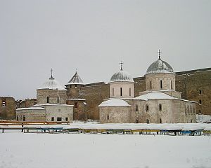 Ivangorod Fortress - The churches of St. Nicholas (1498) and the Virgin's Dormition (1558) inside the fortress walls.