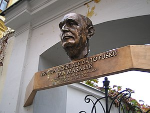 "Jan Masaryk - Memorial plaque with Masaryk´s quote ""Pravda vítězí, ale dá to fušku"" (The truth prevails, but it's a chore). It is a reference to Czechoslovak national motto Veritas vincit (Truth prevails)."