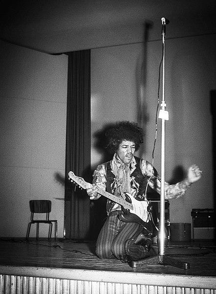 File:Jimi-Hendrix-1967-Helsinki-b.jpg