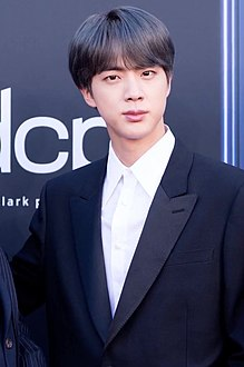 Jin on the Billboard Music Awards red carpet, 1 May 2019.jpg