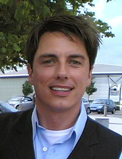 John Barrowman under inspelningen av Torchwood