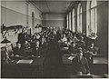 Käsivarapiirustuksen opetustilanne, opettaja Werner Von Essen, 1920-luku.-TaiKV-07-021.jpg