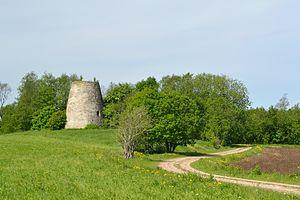 Haljala Parish - Windmill ruins in Kavastu village