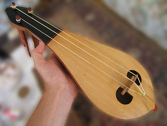 Classical kemençe - Image: Kemence Sezgin (1)