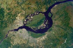 Kinshasa et Brazzaville vues par satellite.