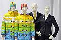 Kleidung bei der Olympia-Einkleidung Erding 2014 (Martin Rulsch) 05.jpg