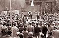 Komemoracija ob Dnevu borca pred spomenikom talcev v Sodni ulici v Mariboru 1962 (4).jpg