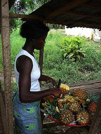 Kpalimé - Kpalimé fruit vendor