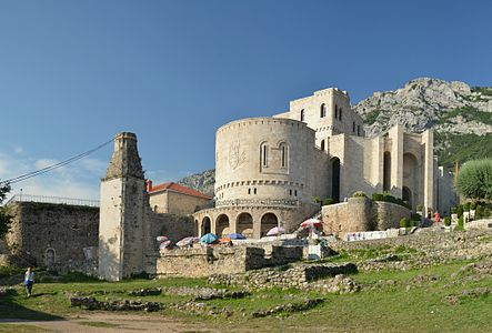 Kruja Castle (by Pudelek) - crop.jpg