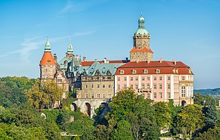 Le château de Książ, en Silésie. (définition réelle 8123×5161)