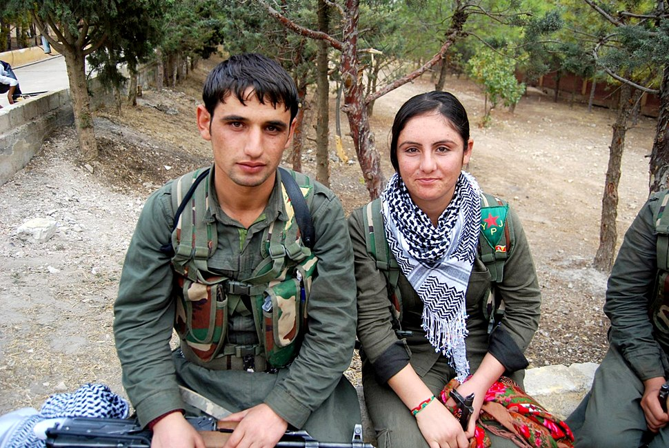 Kurdish YPG Fighters (15318975992)