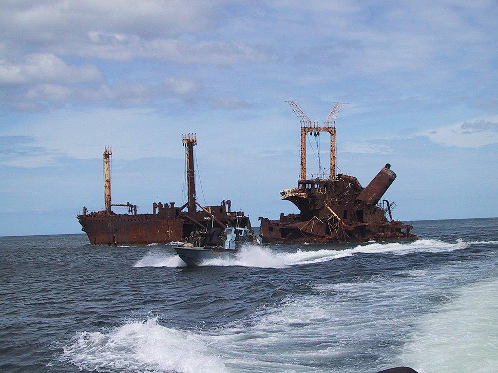 LTTE Sea Tigers attack vessel by sunken SL freighter