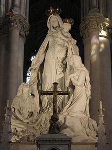 Prier pour les âmes du purgatoire avec ND de Montligeon!! 220px-La_Chapelle-Montligeon_%2861%29_Basilique_5