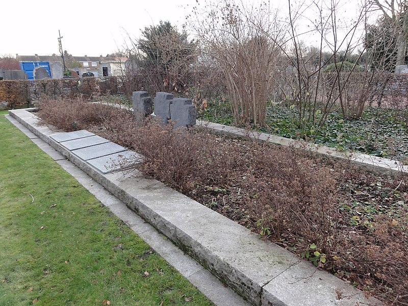 Mass grave on the Deutscher Soldatenfriedhof Lambersart in Lambersart
