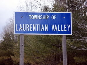 Laurentian Valley - Sign on Round Lake Road