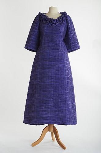 Evening gown - Lavender evening gown by Irish designer Sybil Connolly from c. 1970