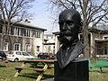 Le buste d'Émile Durkheim 01.jpg