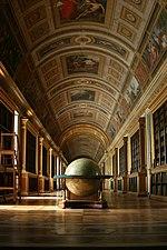 Librairie du Chateau de Fontainebleau.jpg