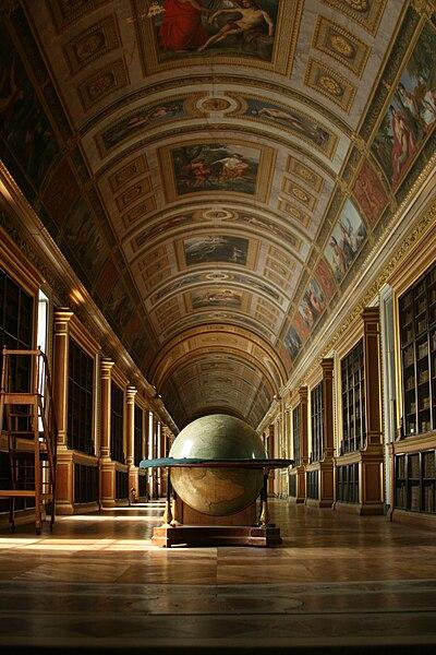File:Librairie du Chateau de Fontainebleau.jpg