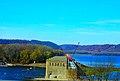 Lock and Dam 9 - panoramio.jpg