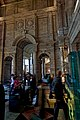 London - Cromwell Gardens - Victoria & Albert Museum 1909 Aston Webb - Entrance Hall - View West.jpg