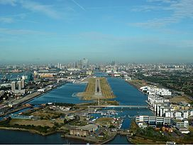 London City Airport Zwart.jpg
