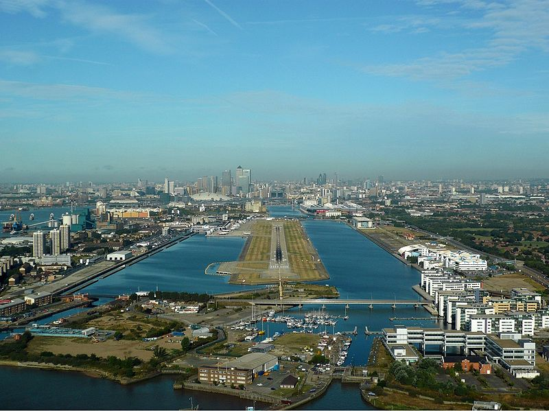 File:London City Airport Zwart.jpg