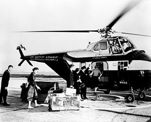 Los Angeles Airways helicopter service, Orange County Airport, circa 1960.jpg