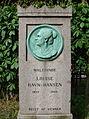 Louise Ravn-Hansen (gravminde).JPG