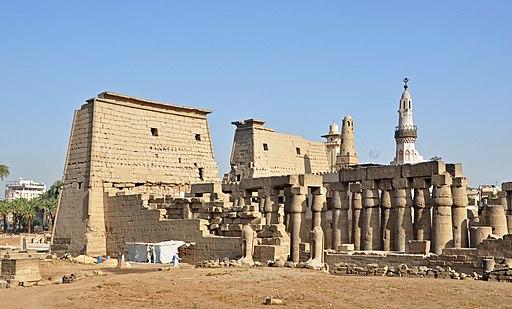 Luxor Temple R04