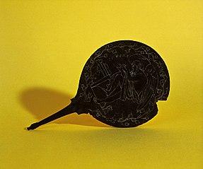 Miroir piriforme (74.1)