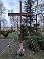 Maczki krzyż przy kościele .jpg