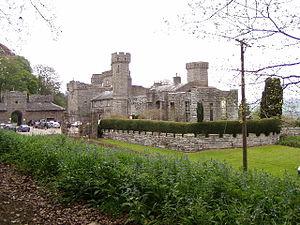Glasbury - Maesllwch Castle