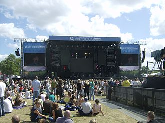 Wireless Festival - Image: Main stage at 2008 O2 Wireless Festival