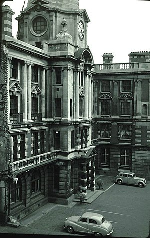 Manchester Royal Infirmary - MRI's main building in 1957