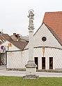 Mariensäule 100971 in A-2130 Mistelbach.jpg